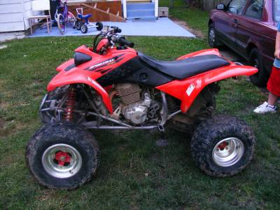pictures of 400ex. 2006 honda 400EX four wheeler