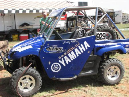 We finished off our Stock racer with full Yamaha-blue side panels and our sponsor's graphics – and we just loved how it turned out!