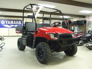 The Polaris Ranger, the most utilitarian of the models, comes with either a 500 (30 hp) or 700cc (40 hp) fuel injected engine.