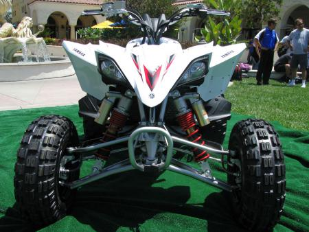 You'll find the same great shock package as on the YFZ450R with some key changes for woods riding.