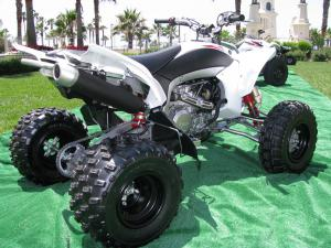 Wheels, tires, handlebars and ergos are all carryovers from the YFZ450R.