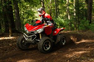 Squeeze the throttle and you�ll be surprised the Maxxer is powered by a 366cc engine.