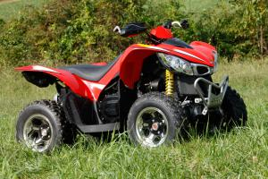 Kymco's own aluminum wheels help the Maxxer stand out.