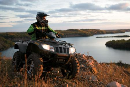 Thundercat 1000  Speed on 2010 Arctic Cat Thundercat 1000 H2 Review