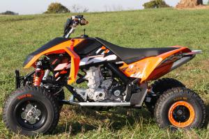 Only KTM and Polaris chose to use carburetors instead of fuel injection.