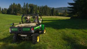 It's still a work vehicle first, but the Gator XUV 625i is a capable and fun-to-ride machine out on the trails.