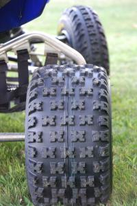 Check out the familiar rear Razr MX tread pattern.