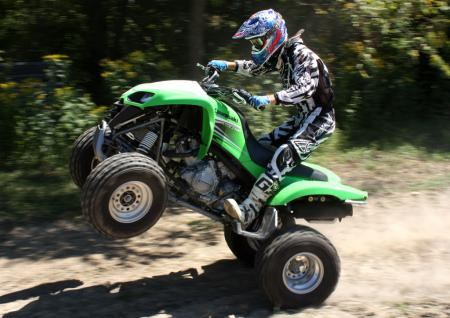 atv pictures atv 2009 kawasaki kfx700 action07 atv images. Black Bedroom Furniture Sets. Home Design Ideas