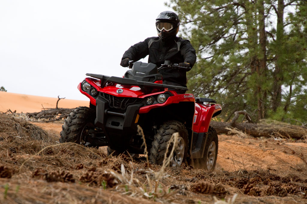 2012-Can-Am-Outlander-800R-Action-02.jpg