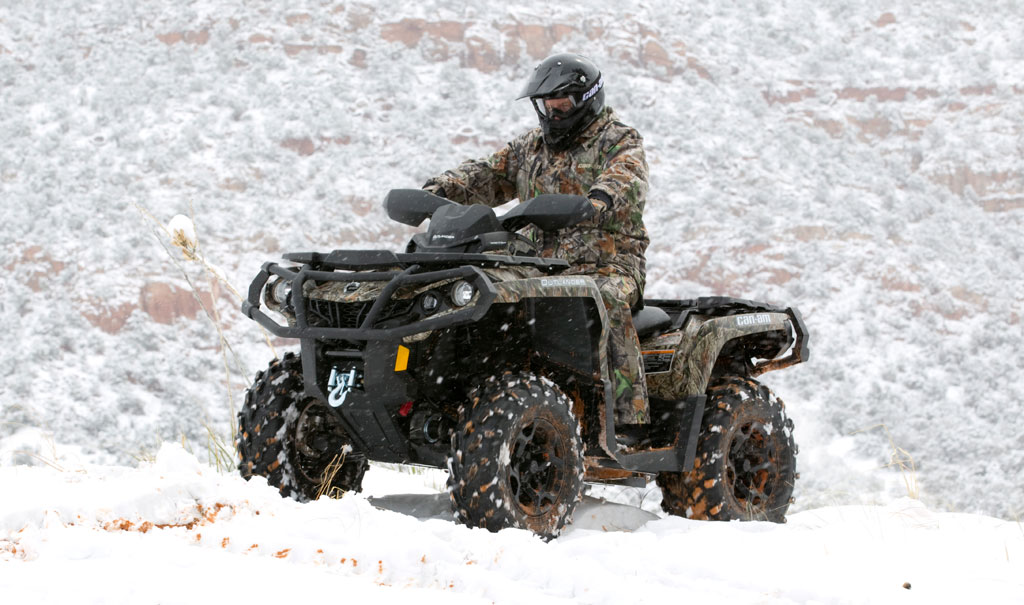 2012-Can-Am-Outlander-800R-XT-Action-02.jpg