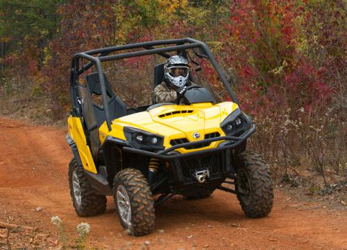 2011 Can-Am Commander Front Action