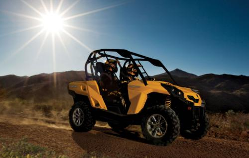 2013 Can-Am Commander 1000 Action