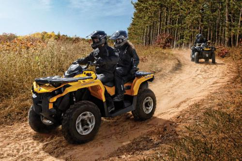 2013 Can-Am Outlander MAX 1000 DPS Action