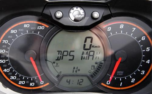 2013 Can-Am Outlander MAX 1000 Limited Gauges