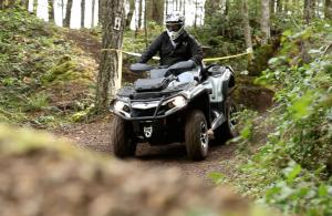2013 Can-Am Outlander MAX 1000 Limited Trail Riding