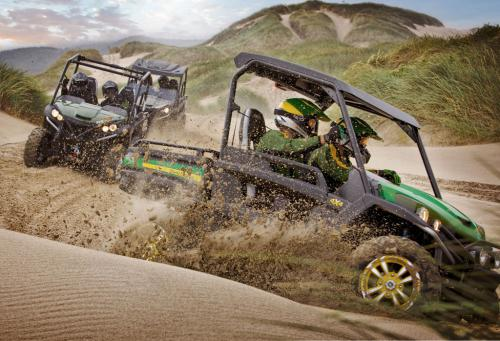 2013 John Deere Gator RSX850i Action 01