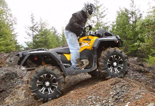 2013 Can-Am Outlander 1000 X mr Action Uphill