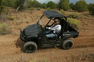 2013 Yamaha Rhino 700 SE Action Left