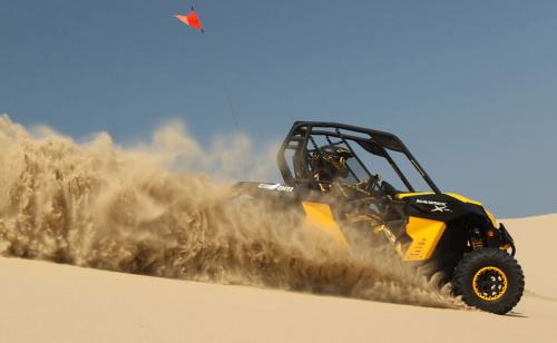 2013 Can-Am Maverick 1000R X rs Action Sand