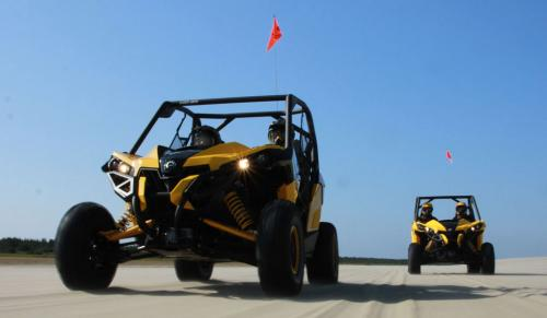 2013 Can-Am Maverick 1000R X rs Action 01