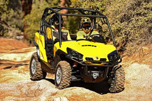2013 Can-Am Commander 1000 XT Action Front