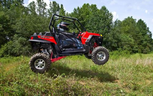 2012 Polaris RZR XP 900 Action Jump 01