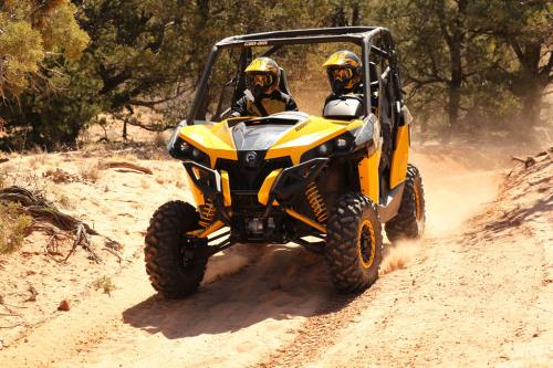 2014 Can-Am Maverick 1000R X xc Action