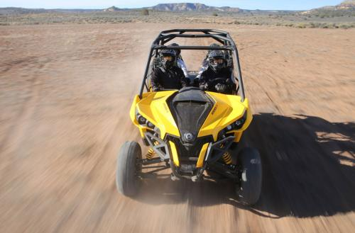 2014 Can-Am Maverick MAX 1000R Action Front