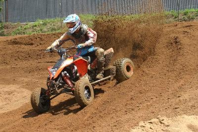The Maxxis RAZR MX tires provide solid traction.