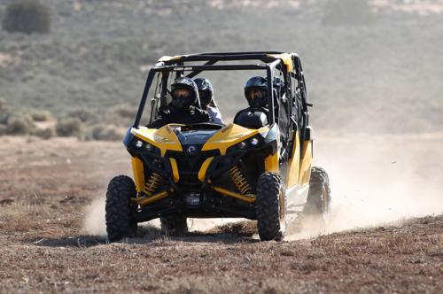 2014 Can-Am Maverick MAX 1000R X rs DPS Action