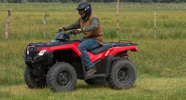 2014 Honda FourTrax Rancher Action Left