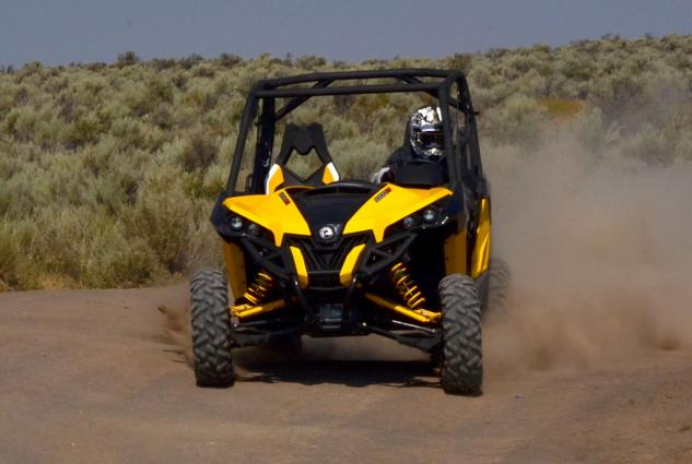 2013 Can-Am Maverick 1000R X rs Action Drift