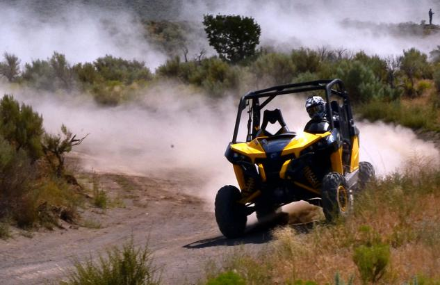2013 Can-Am Maverick 1000 X rs Action 02