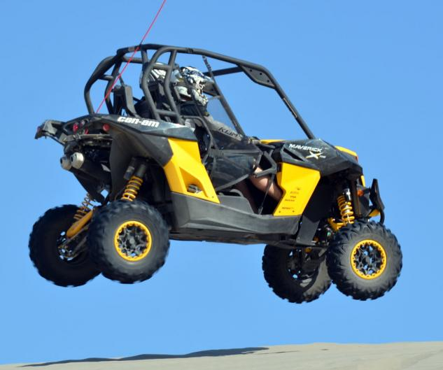 2013 Can-Am Maverick 1000 X rs Action Jump