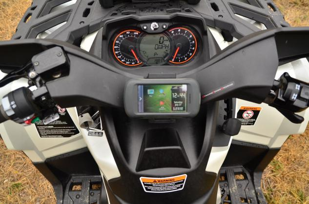 2013 Can-Am Outlander MAX 1000 LTD Cockpit