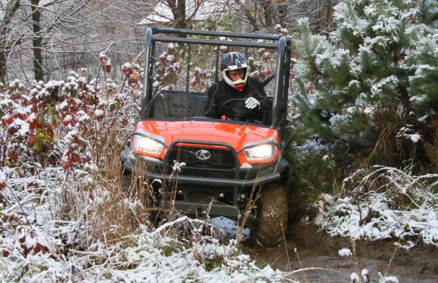 2014 Kubota RTV X1120D Action Cornering