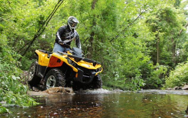2014 Can-Am Outlander 500 Action Water