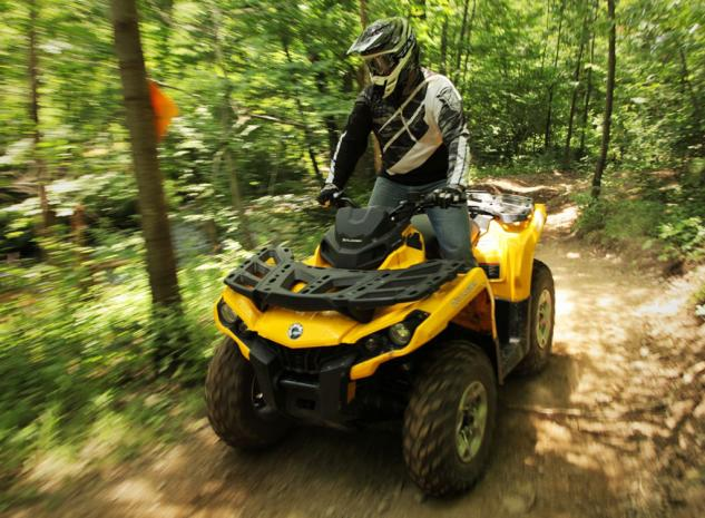 2014 Can-Am Outlander 500 Action Woods