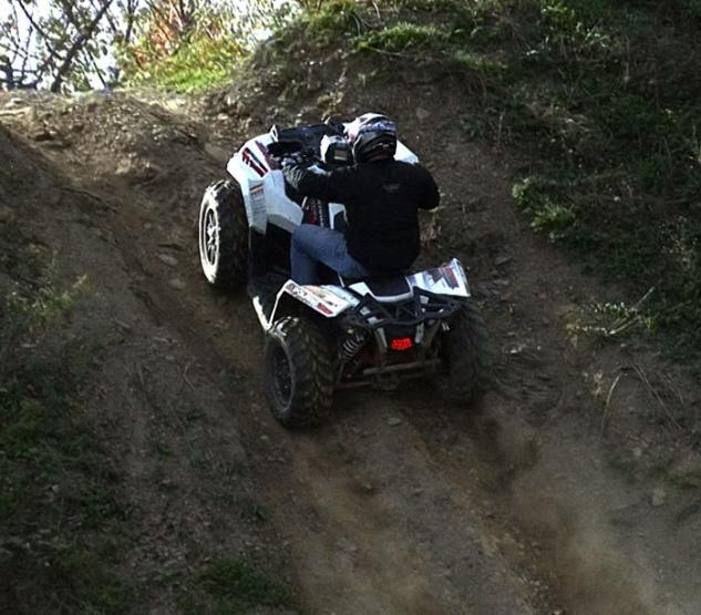 2014 Polaris Scrambler 1000 Action Climb