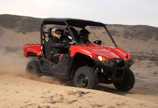 2014 Yamaha Viking 700 Action Right