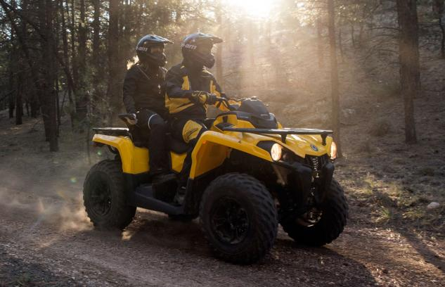 2015 Can-Am Outlander L 450 MAX Action