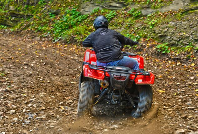 2015 Honda Foreman Rubicon Action Cornering