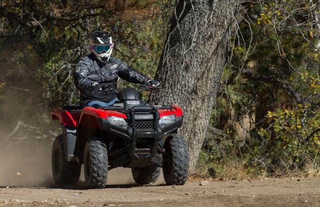 2015 Honda FourTrax Rancher Action 1