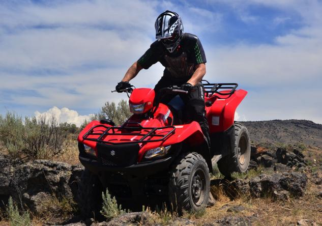 2014 Suzuki KingQuad 750 EPS Action