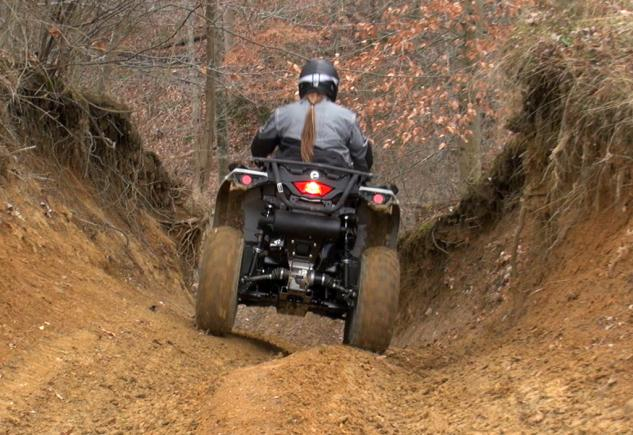 2015 Can-Am Outlander L 500 Action Handling