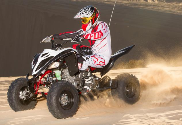 2015 Yamaha Raptor 700R SE Action 01