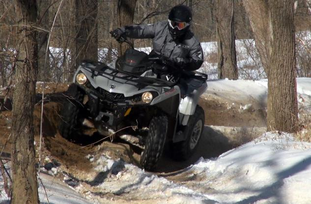 2015 Can-Am Outlander L 500 Action Cornering