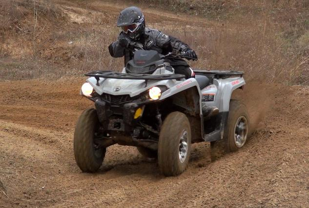 2015 Can-Am Outlander L 500 Action Speed