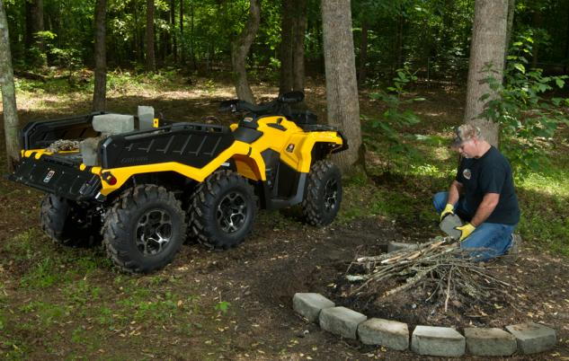 2015 Can-Am Outlander 6x6 1000 XT Working