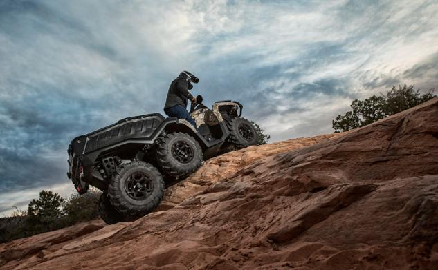 2015 Can-Am Outlander 6x6 1000 XT Riding